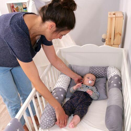 Ullenboom-Lifestyle-Bettschlange-Bettwaesche-Babydecke-Graue-Sterne(1)